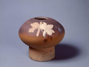 今井政之《象嵌彩窯変洋蘭花壷》 昭和56(1981)年