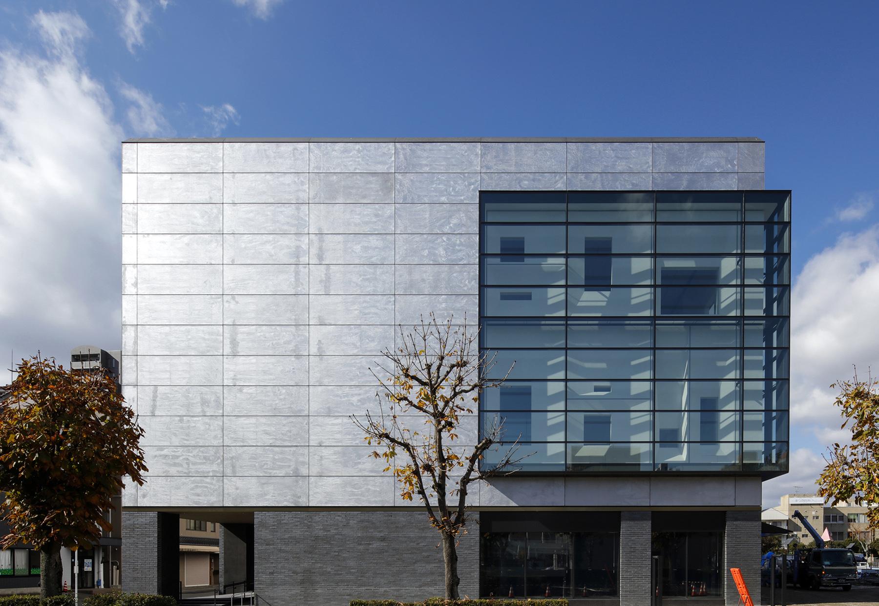 東広島市立美術館外観