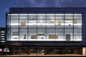 東広島市立美術館の窓について